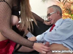 english cutie is getting screwed for cash