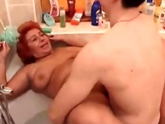 large gorgeous woman granny fuck in the tub