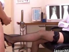 akiho yoshizawa doctor t live without getting