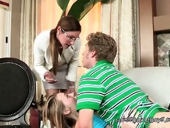 she is shows her step daughter how to handle a
