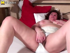 large dutch mommy playing with her curly twat