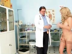 mother i jirina teached by gyno doc how to use a