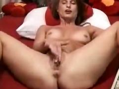 older d like to fuck masturbates on web camera