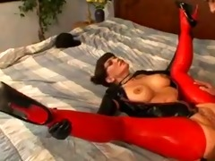 mother i in latex enjoyment