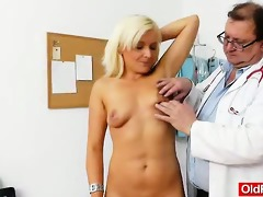 amazing blond-haired receives a mellow gyno