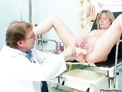 doctor copulates a older mama patient part10