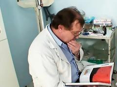 aged jaroslava gyno speculum muff checkup at gyno