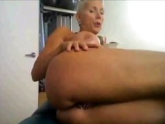 lustful older on cam, with many rings on her