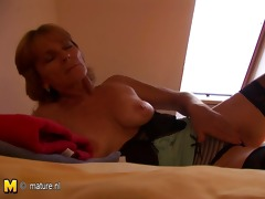 older wench mommy getting herself moist with her