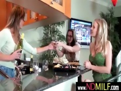 lesbo milfs snatch eating 14