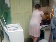 spying aunty wazoo washing ... big booty