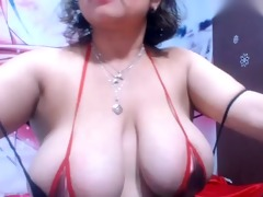 colombian woman showing snatch in fron livecam