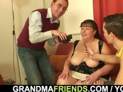 trio pleasure with older plumper