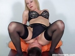 golden-haired bitch goddess in bikini facesits a