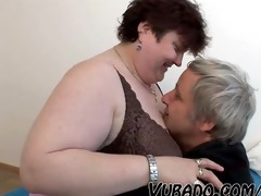 old, obese dilettante pair fucks !!