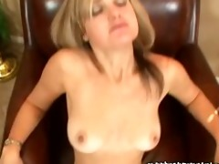 nasty golden-haired d like to fuck on cam