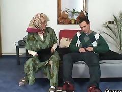 nasty grandma gives up her old vagina