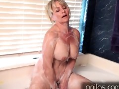 non-professional cougar uses toys for full body