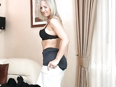 bootylicious golden-haired d like to fuck in