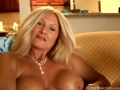 hot cougar slides out of her pants
