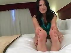 d like to fuck feet tease