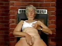 unshaved granny likes dildos