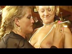 smokin milfs at three-some lesbo action.