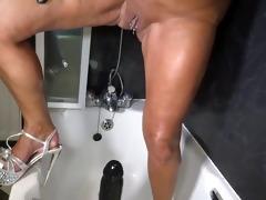 mama shower x