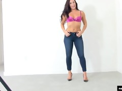 exotic mommy at calendar auditions