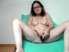 german mother i playing with her massive sextoy