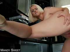 blonde milfs face acquires loaded with cum