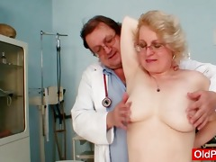 blonde d like to fuck wears glasses and receive