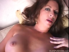 hawt cougar disrobes and frigs her soaked cunt