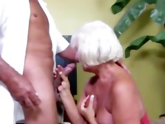 granny sucks pecker and can not receive