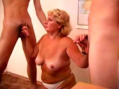 sexy mamma n03 blond older in threesome