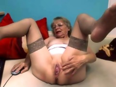 fascinating wench on webcam