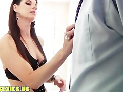 d like to fuck brunette engulfing great cock